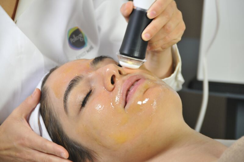 Our new OxyGeneo Exfoliation Facial gives you the exfoliation benefits of microdermabrasion plus deep facial rejuvenation with the infusion of essential revitalizing nutrients and healing skin oxygenation from within.